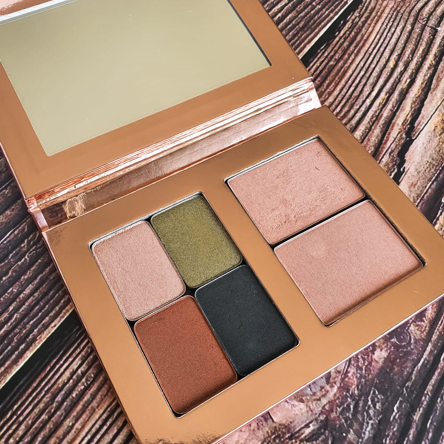Golan Medium Palette